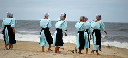 amish-women-swimwear